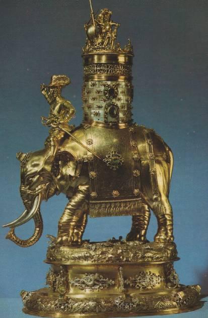 Кубок - Золоченое серебро, перламутр, рубины, изумруды, один сапфир