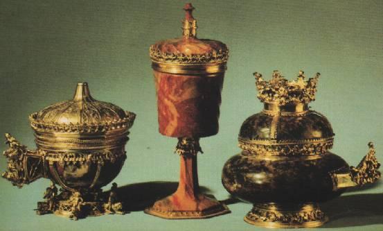 Три готических сосуда